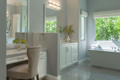 master bathroom in the oaks